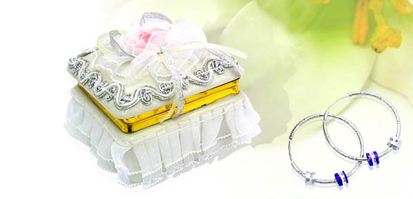 Exquisite Porcelain Treasure Jewelry Trinket Box - square box w/ cloth flower***/