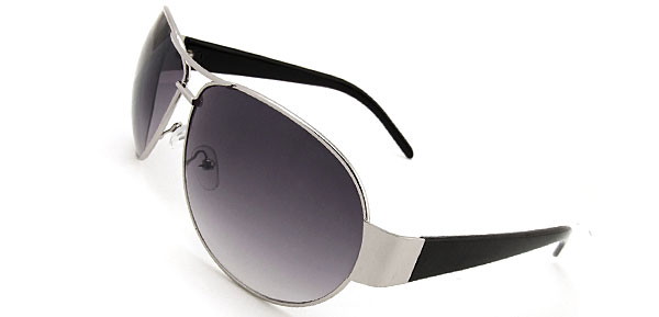 Retro Chic  Black Fashion Eyewear Sunglasses