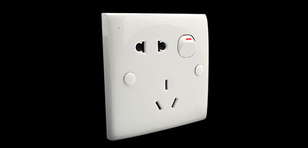 3pin and 2pin Switched Socket Outlet Wall Plate