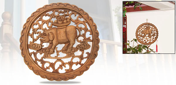 Chinese Art Handcraft Wood Carving with Fortune Pig Pattern