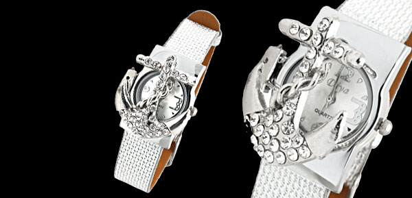 Fashion Jewelry Silver Leather Band Rhinestone Peltate Watch