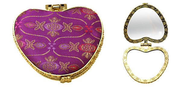 Fashion Heart Design Cloth Compact Mirror Purple
