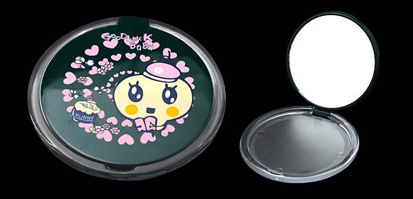 Green Round with Pink Heart Pattern Ladies' Make up Mirror