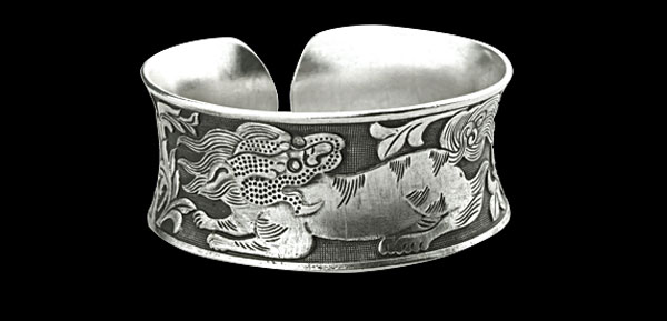 Unique Dragon Pattern Miao Silver Cuff Bracelet