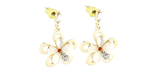 2pcs Women Flower Shaped Ornament Stud Earrings Gold Tone